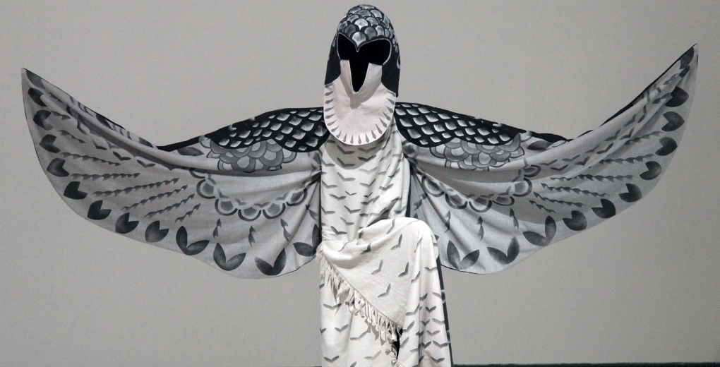 http://glasgowinternational.org/wp-content/uploads/2015/09/TMI-STARS-36598-YokohamaTriennale-Instal.Costumes.05.jpg