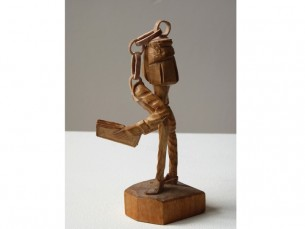 http://glasgowinternational.org/wp-content/uploads/2014/01/Jonathan-Owen-Found-wooden-figurine-with-further-carving-2009-305x229.jpg