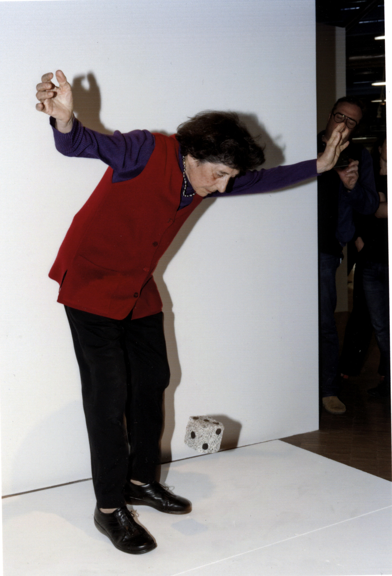 Esther Ferrer, Malarmé Revisé o Malarmado Revisado (2015). Photo courtesy of Hervé Veronese.